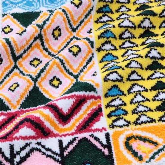 アフリカンマーケット プティバス